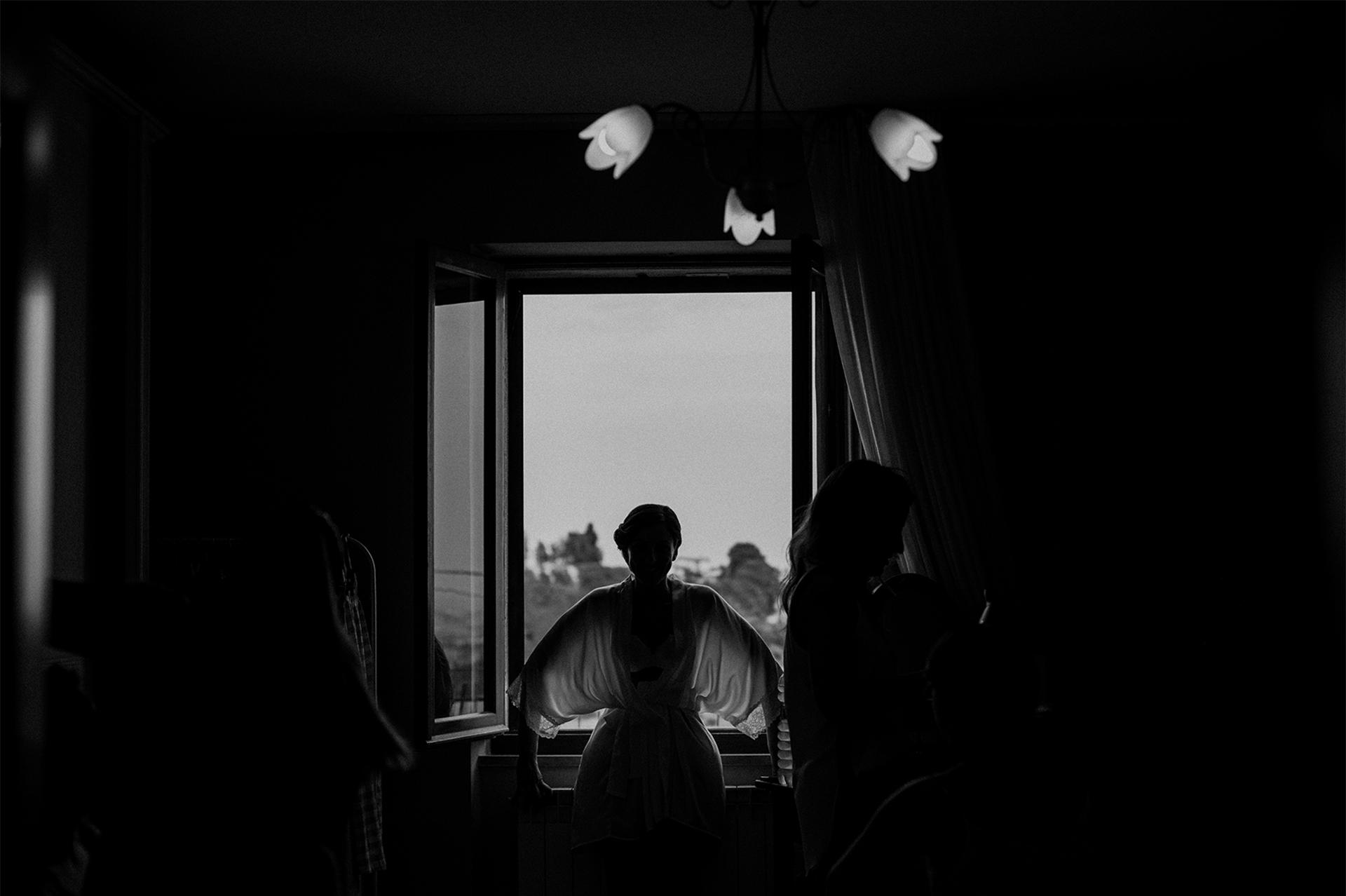 sposa al balcone