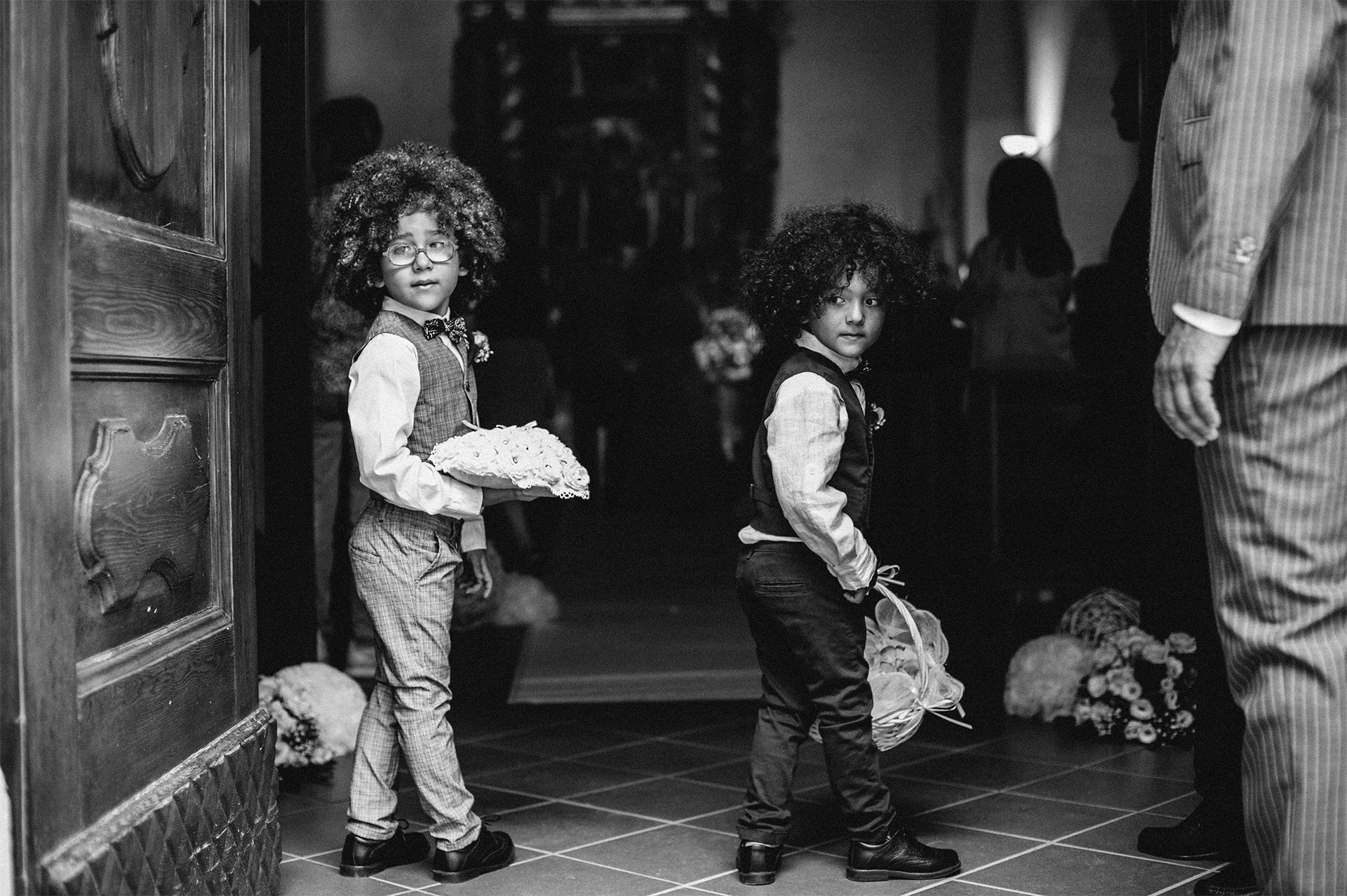 bambini durante la cerimonia del matrimonio